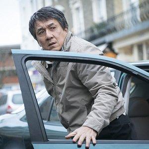 """جکی چان در نمایی از فیلم """"خارجی"""""""