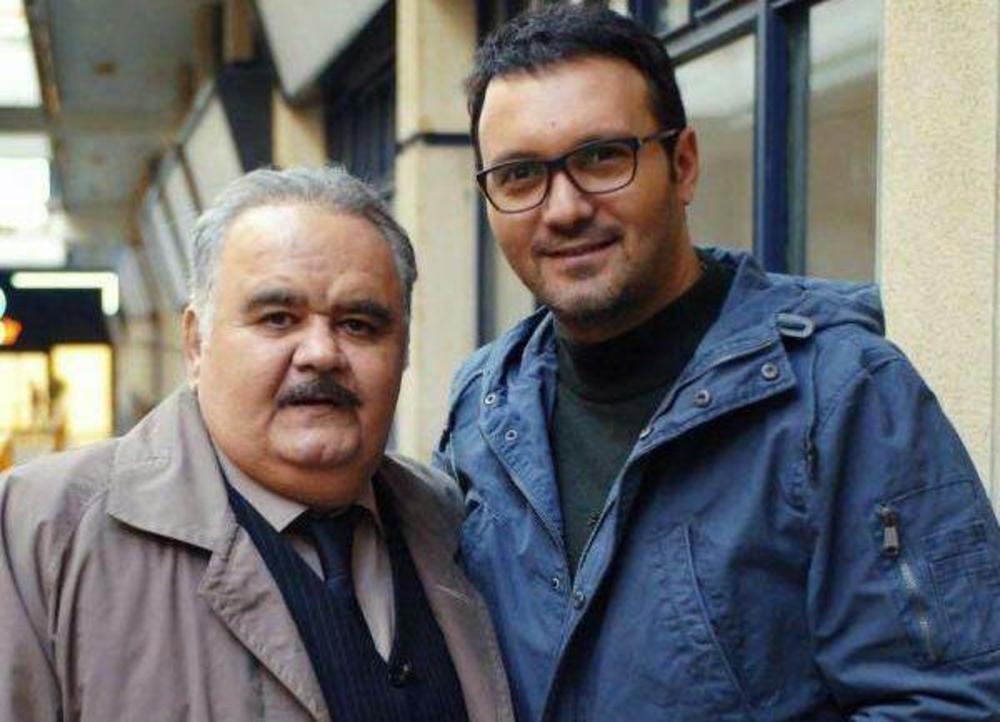 اکبر عبدی و کامبیز دیرباز در پشت صحنه فیلم «سوء تفاهم»