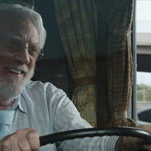 """دونالد ساترلند در فیلم """" لذت جو"""""""