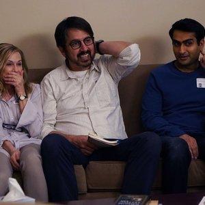 """کمیل نانجیانی، زویی کازان و ری رومانو در فیلم کمدی """" بیمار بزرگ"""""""