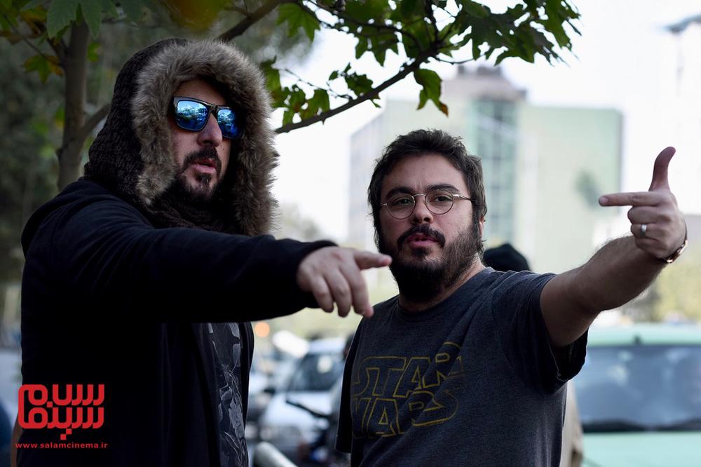 پوریا آذربایجانی و محسن کیایی در پشت صحنه فیلم «جشن دلتنگی»