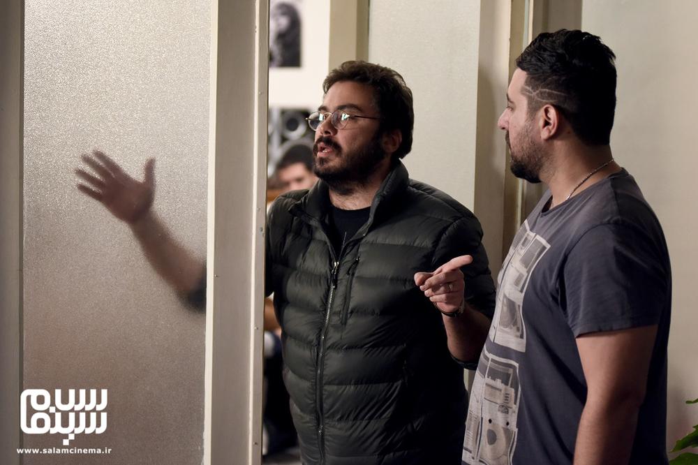پوریا آذربایجانی و محسن کیایی در پشت صحنه فیلم سینمایی «جشن دلتنگی»