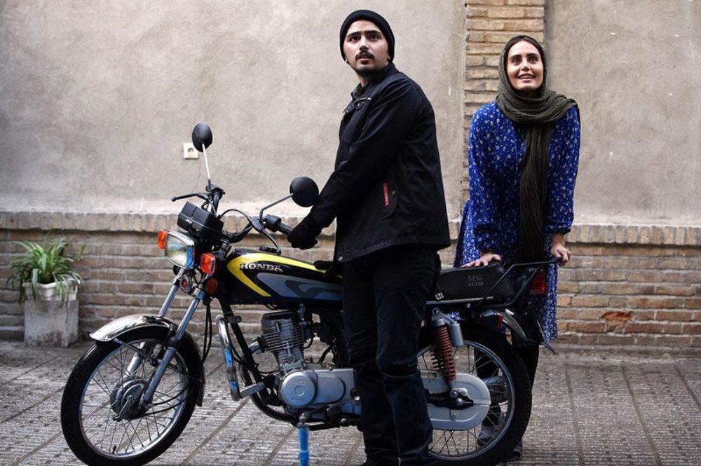 الناز شاکردوست و علی طباطبایی در فیلم اسب سفید پادشاه