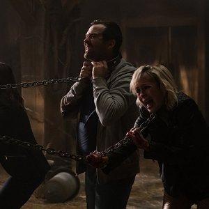 """لورا وندروُرت, بریتانی آلن و پائول برنشتاین در نمایی از فیلم سینمایی """" اره"""""""