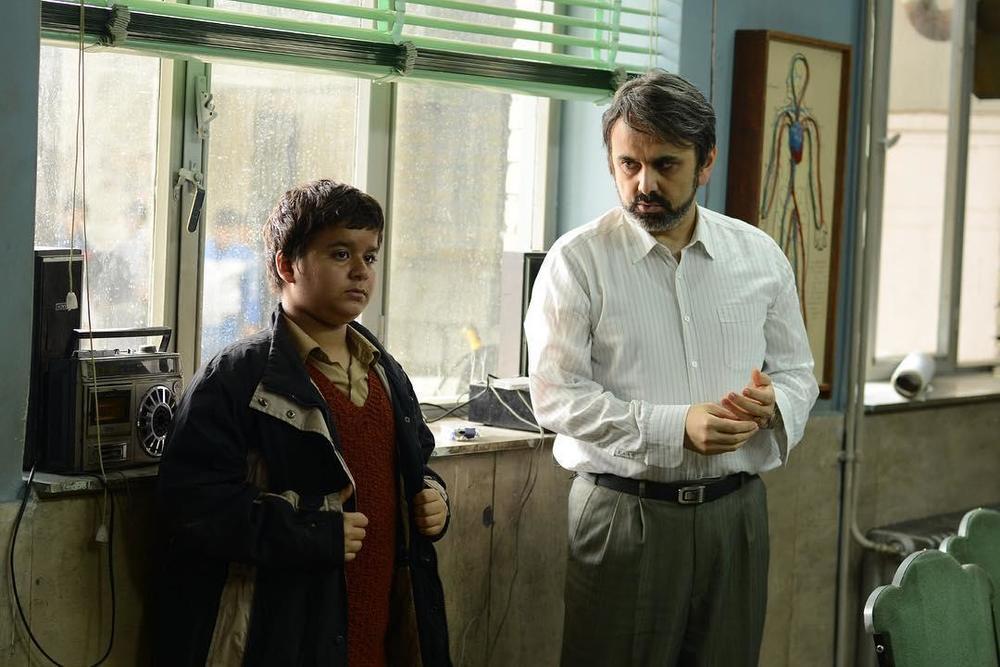 حبیب رضایی و ارشیا عبداللهی در فیلم «بمب یک عاشقانه»