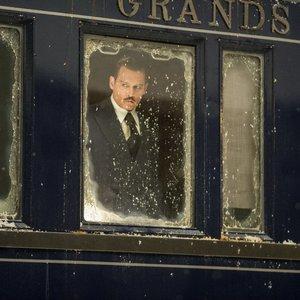 جانی دپ در نمایی از فیلم سینمایی « قتل در قطار سریعالسیر شرق »