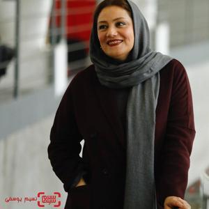 شبنم مقدمی  در نشست خبری فیلم «خجالت نکش» در برنامه دو قدم تا سیمرغ در پردیس ملت