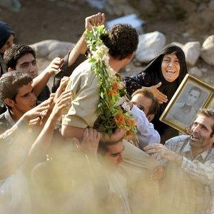 مریلا زارعی در نمایی از فیلم سینمایی «شیار 143»