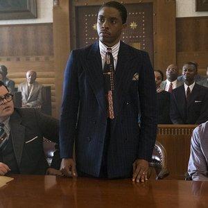 چادویک بوزمن,استرلینگ کی براون و جاش گد در نمایی از فیلم سینمایی« مارشال »