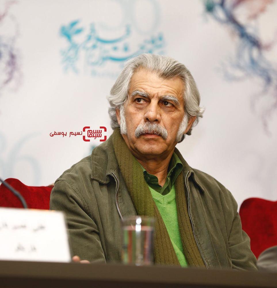 حبیب دهقان نسب در نشست خبری فیلم «امپراطور جهنم» در کاخ رسانه سی و ششمین جشنواره فیلم فجر