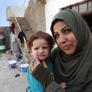نمایی از مستند «زنانی با گوشواره های باروتی» به کارگردانی رضا فرهمند