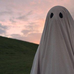 نمایی از فیلم سینمایی« داستان یک روح »( A Ghost Story )