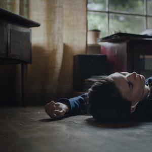 رونی مارا در فیلم فانتزی« داستان یک روح »( A Ghost Story )
