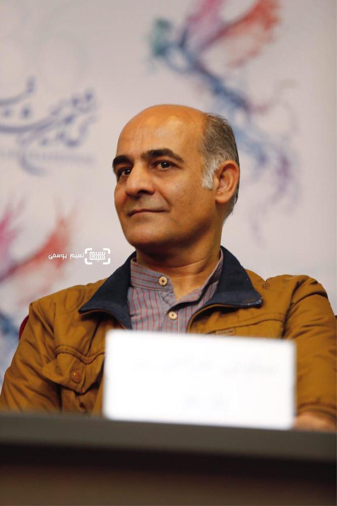 سیاوش چراغی پور در نشست خبری «سرو زیر آب» در کاخ رسانه سی و ششمین جشنواره فیلم فجر