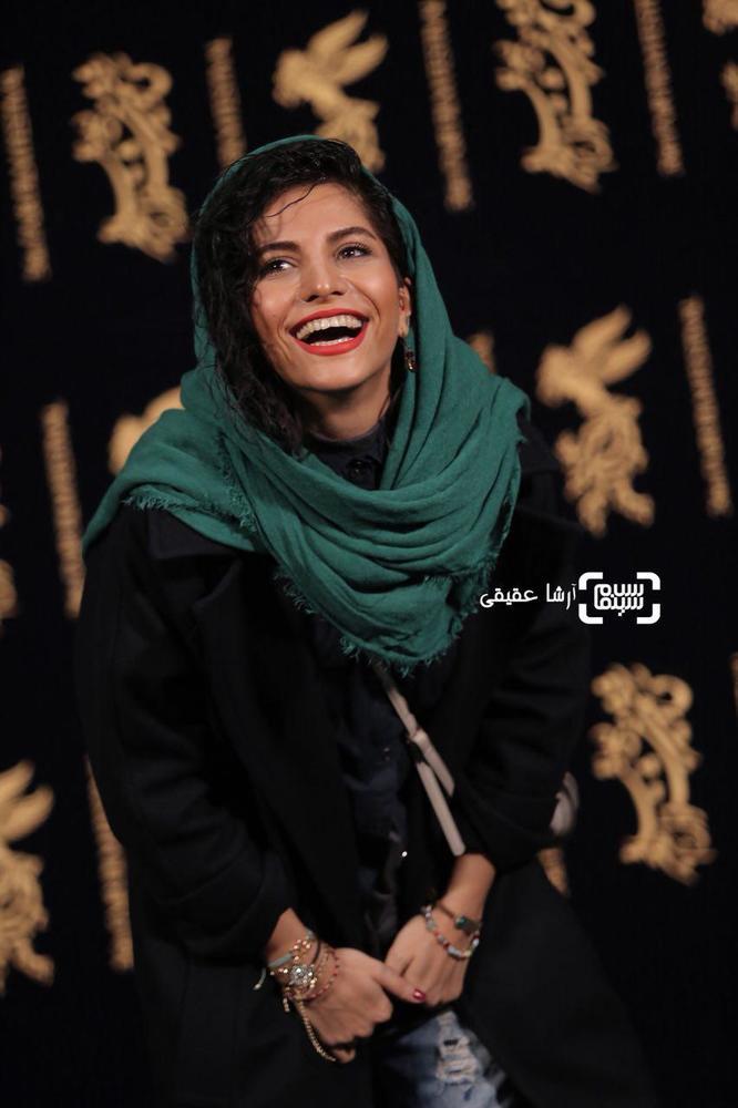 مروارید کاشیان در فتوکال «اتاق تاریک» در کاخ رسانه سی و ششمین جشنواره فیلم فجر