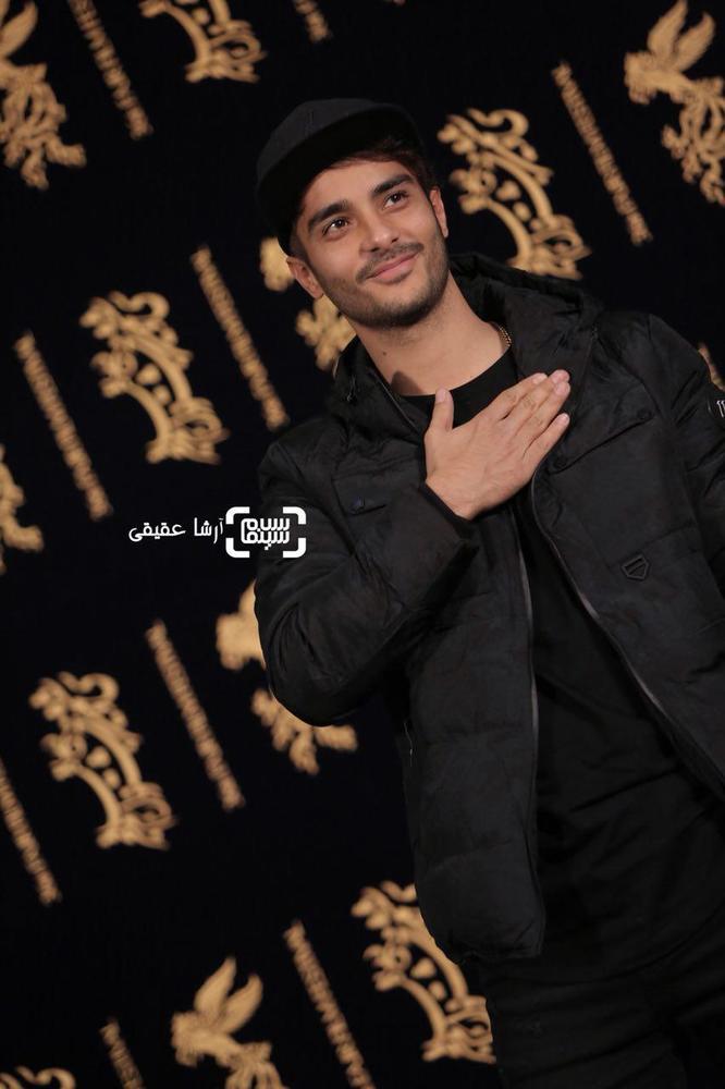 ساعد سهیلی در فتوکال فیلم «اتاق تاریک» در کاخ رسانه سی و ششمین جشنواره فیلم فجر