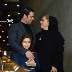 پژمان بازغی و همسرش مستانه مهاجر و دخترشان نفس بازغی در اکران فیلم «هایلایت» در سی و ششمین جشنواره فیلم فجر