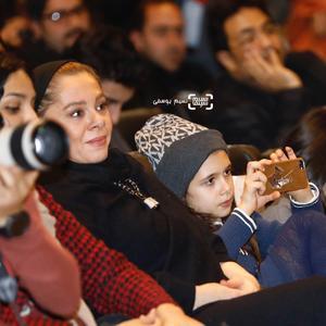 مستانه مهاجر و دخترش نفس بازغی در اکران فیلم «هایلایت» در سی و ششمین جشنواره فیلم فجر