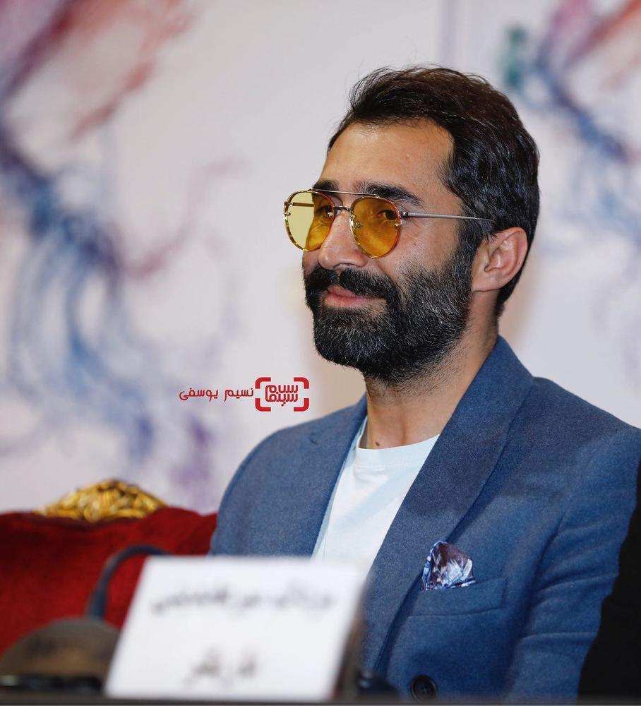 هادی کاظمی در نشست خبری فیلم «مصادره» در کاخ رسانه سی و ششمین جشنواره فیلم فجر