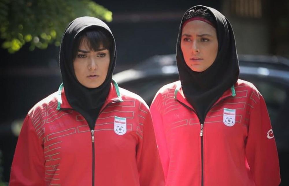 باران کوثری و هدی زین العابدین در فیلم «عرق سرد»