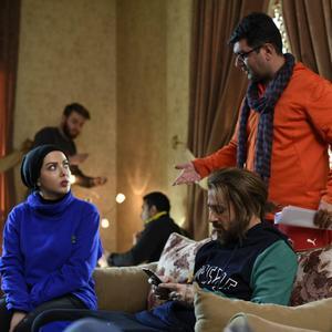 علی عطشانی، لیلا اوتادی و احمد مهران فر در پشت صحنه فیلم «کاتیوشا»