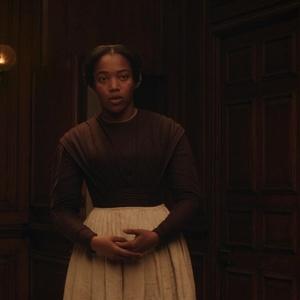 نائومی اکی در نمایی از فیلم «خانم مکبث »( Lady Macbeth )
