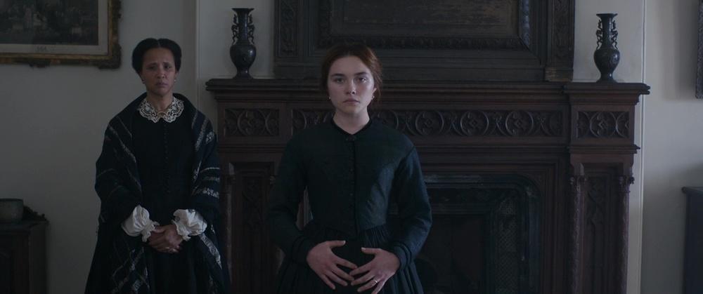 فلورانس پو و گلدا راشوئل در نمایی از فیلم سینمایی درام  «خانم مکبث »( Lady Macbeth )