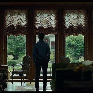 جان چو در نمایی از فیلم سینمایی« کلمبوس »(Columbus)