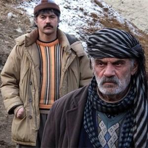 مسعود یوسفی و جعفر شیخ احمدی در فیلم «زمستان آخر»