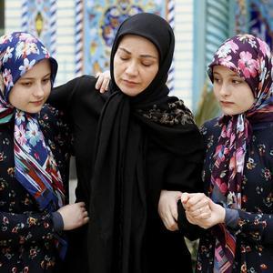 نسرین نصرتی، سارا فرقانی اصل و نیکا فرقانی اصل در سریال «پایتخت 5»