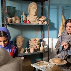 ستایش محمودی و نازنین فراهانی در فیلم «نبات»