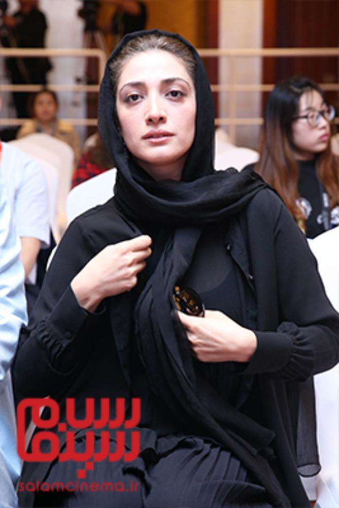مینا ساداتی در نشست پرسش و پاسخ فیلم «تابستان داغ» در جشنواره فیلم پکن