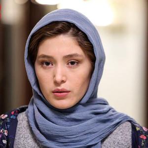 فرشته حسینی در فیلم «سونامی»