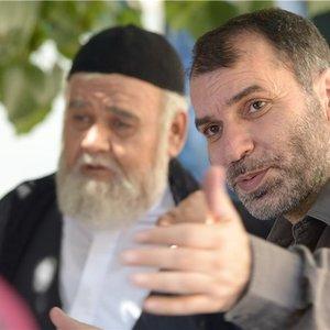 مسعود ده نمکی و اکبر عبدی در پشت صحنه فیلم رسوایی 2