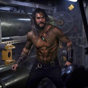 جیسون موموآ در نمایی از فیلم سینمایی آکوامن (Aquaman)