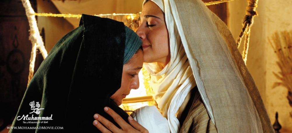 مینا ساداتی و ساره بیات در فیلم محمد رسول الله (ص)