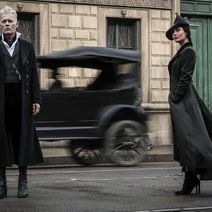 جانی دپ در  فیلم سینمایی «جانوران شگفت انگیز: جنایات گریندل والد» (Fantastic Beasts: The Crimes of Grindelwald)