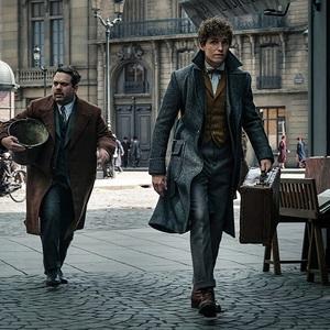 ادی ردمین و دن فوگلر در فیلم سینمایی «جانوران شگفت انگیز: جنایات گریندل والد» (Fantastic Beasts: The Crimes of Grindelwald)