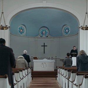 ایتن هاک در نمایی از فیلم  «اولین اصلاح شده» (First Reformed)