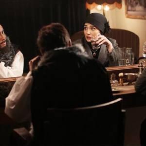 نمایی از سریال «شهرزاد» با بازی امیرحسین رستمی و مینا وحید
