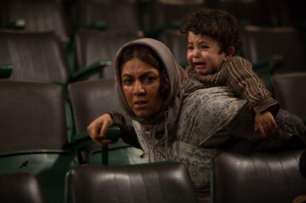 ستاره اسکندری در نقش نیر در سریال نمایش خانگی «دندون طلا»