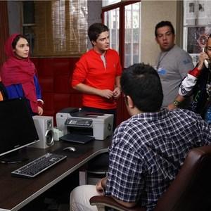 ترلان پروانه، ملیسا ذاکری، صبا گرگین پور و نوید لایقی مقدم در نمایی از فیلم مردن به وقت شهریور