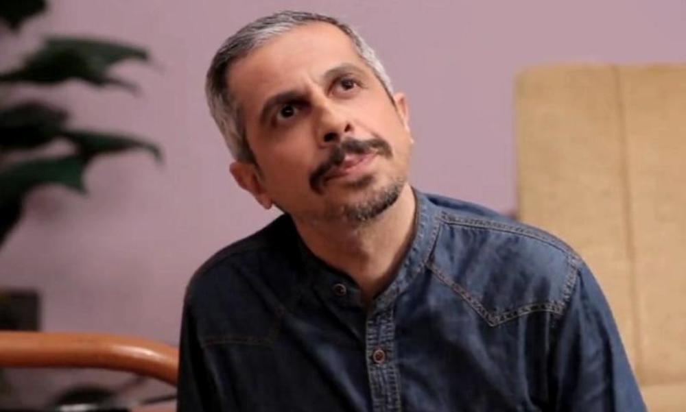 جواد رضویان در نمایی از سریال نمایش خانگی «عطسه»