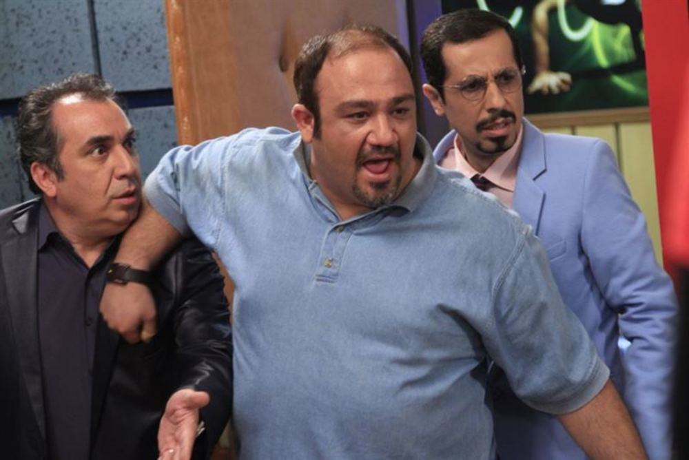 جواد رضویان و مهران غفوریان و سیامک انصاری در سریال نمایش خانگی «سیگنال موجود است»