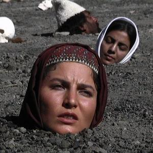 نمایی از فیلم «باز هم سیب داری؟» با بازی لیلا موسوی