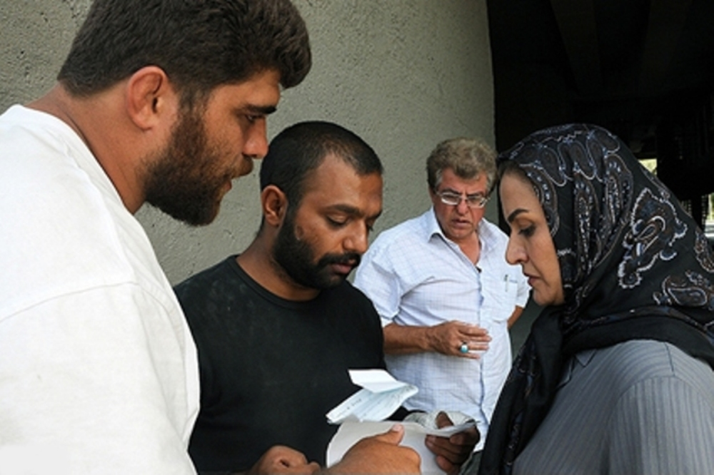 امیر حسین ثقفی، مریلا زارعی و صابر ابر در پشت صحنه فیلم همه چیز برای فروش