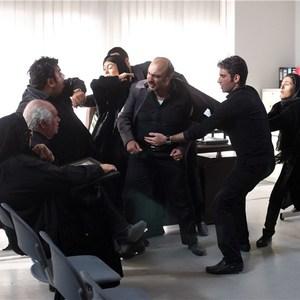 رضا عطاران، آزاده صمدی و هومن شکیبا در فیلم سینمایی  « طبقه حساس »