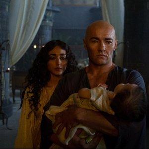 گلشیفته فراهانی و جوئل ادگورتون در فیلم «مهاجرت: خدایان و پادشاهان»