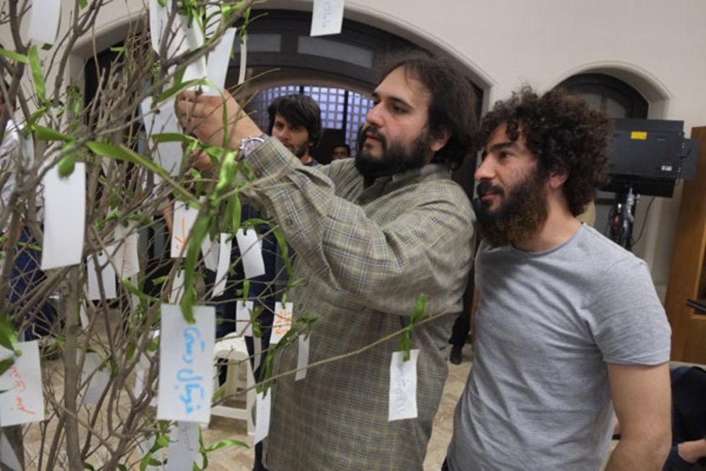 نوید محمدزاده و رضا درمیشیان در پشت صحنه فیلم «لانتوری»