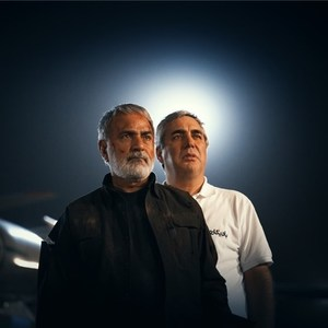 ابراهیم حاتمی کیا و پرویز پرستویی در پشت صحنه فیلم «بادیگارد»